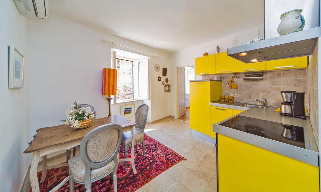 Irundo Dc1 Two Bedroom Apartment
